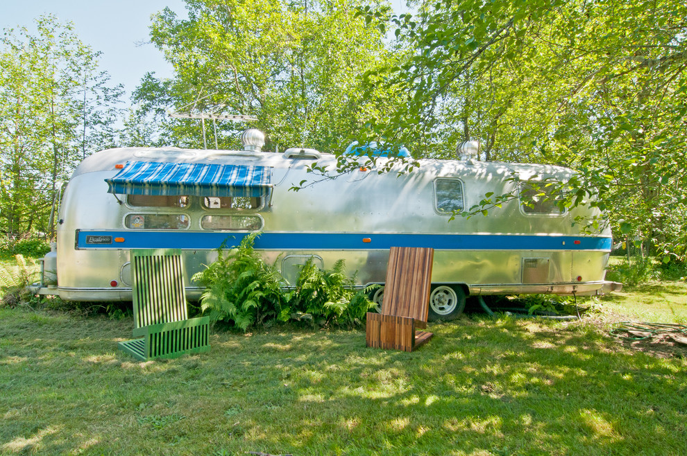 Airstream by Louise Lakier