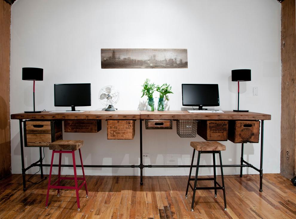 15 Reclaimed-wood desk - Home Office Desk Ideas